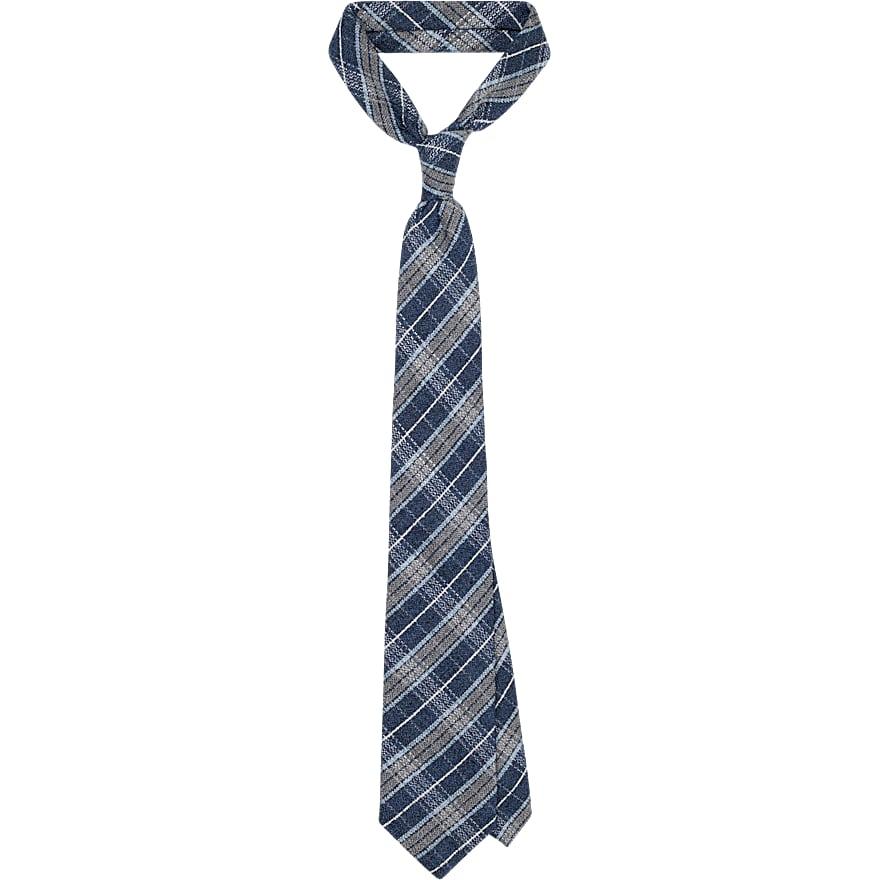 Blue_Tie_D171001